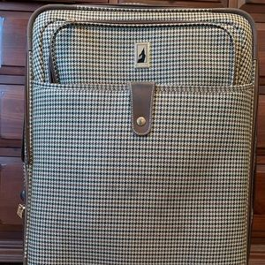 London Fog suitcase with carry on